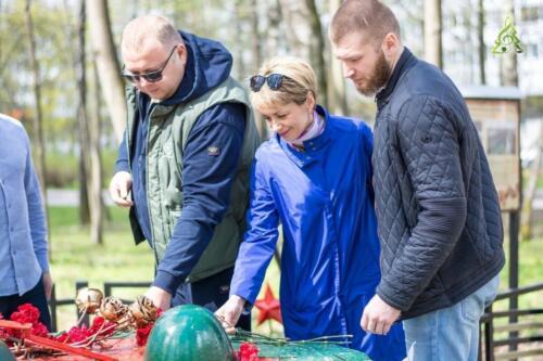 Возложение цветов к мемориалу «Долговременная огневая точка (ДОТ)»